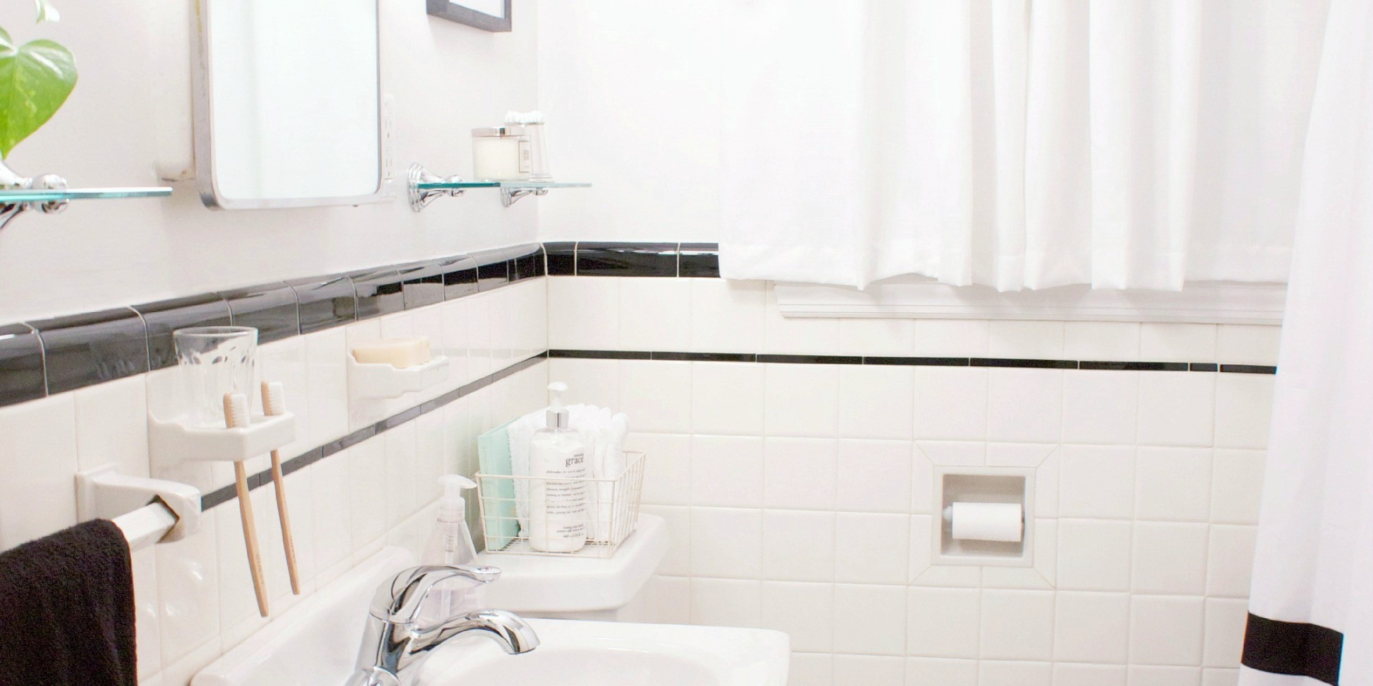 This Budget Bathroom Makeover Proves Little Changes Go A Long Way - Inexpensive bathroom flooring