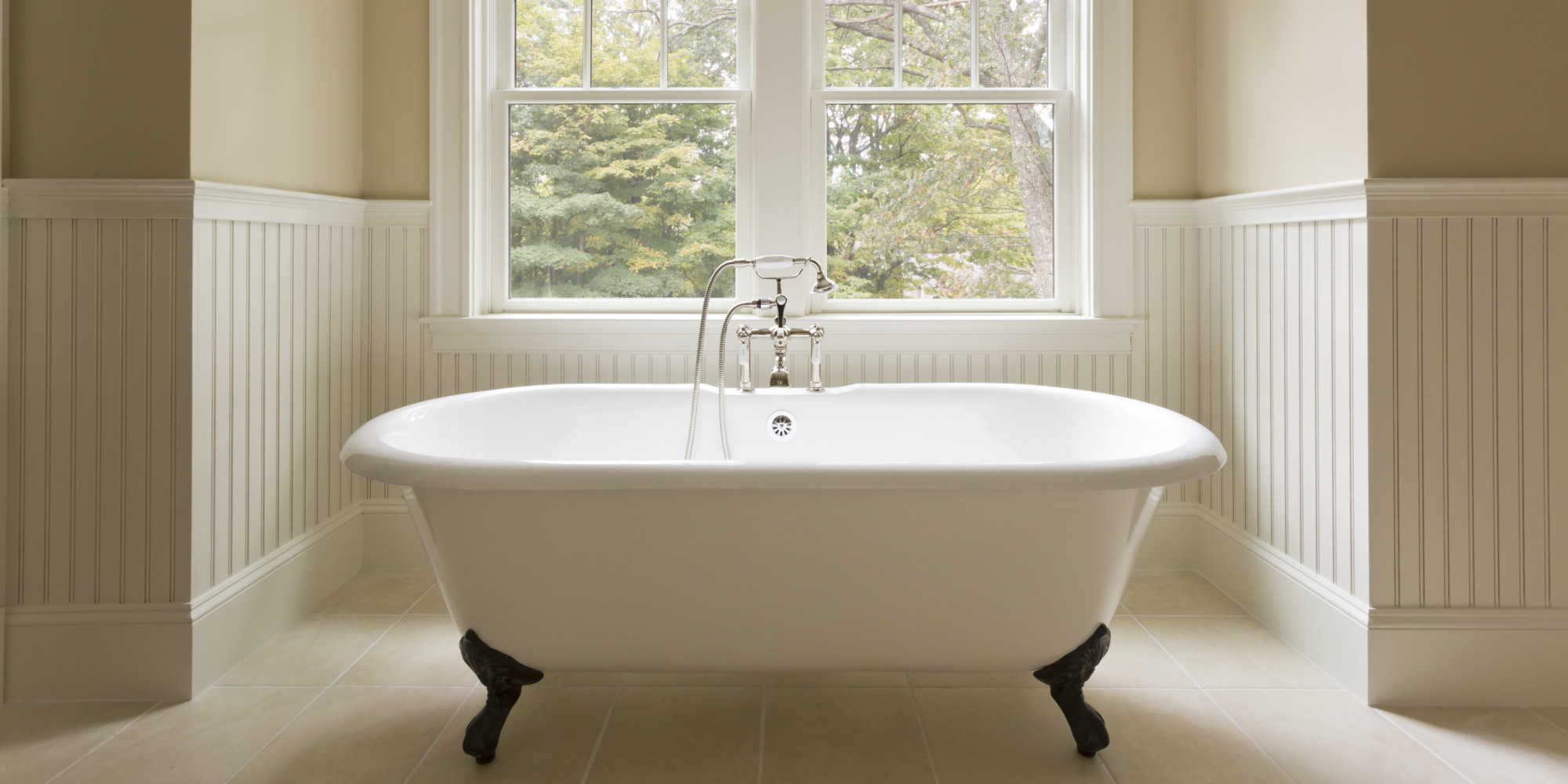 6 Bathtubs To Melt Away The Winter Coldness | HuffPost