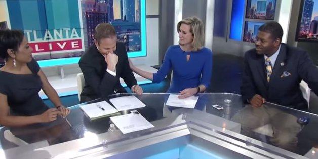 Ein Moderator bricht live im TV in Tränen aus. Der Grund ist sehr berührend