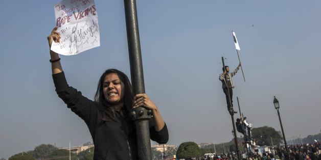Eine Frau fordert in Indien die Todesstrafe für Vergewaltiger
