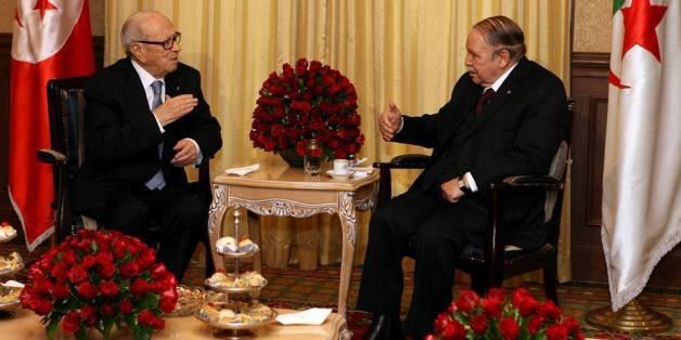 Les présidents Essebssi et Bouteflika, le 5 février 2015 à Alger