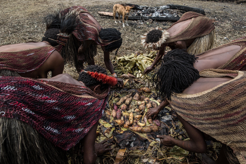 tribesmen papua