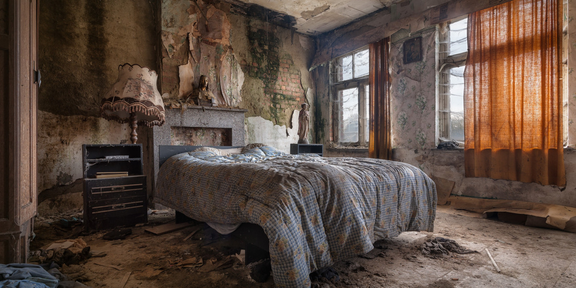 Stunning Abandoned Homes Are Surprisingly Full Of Life