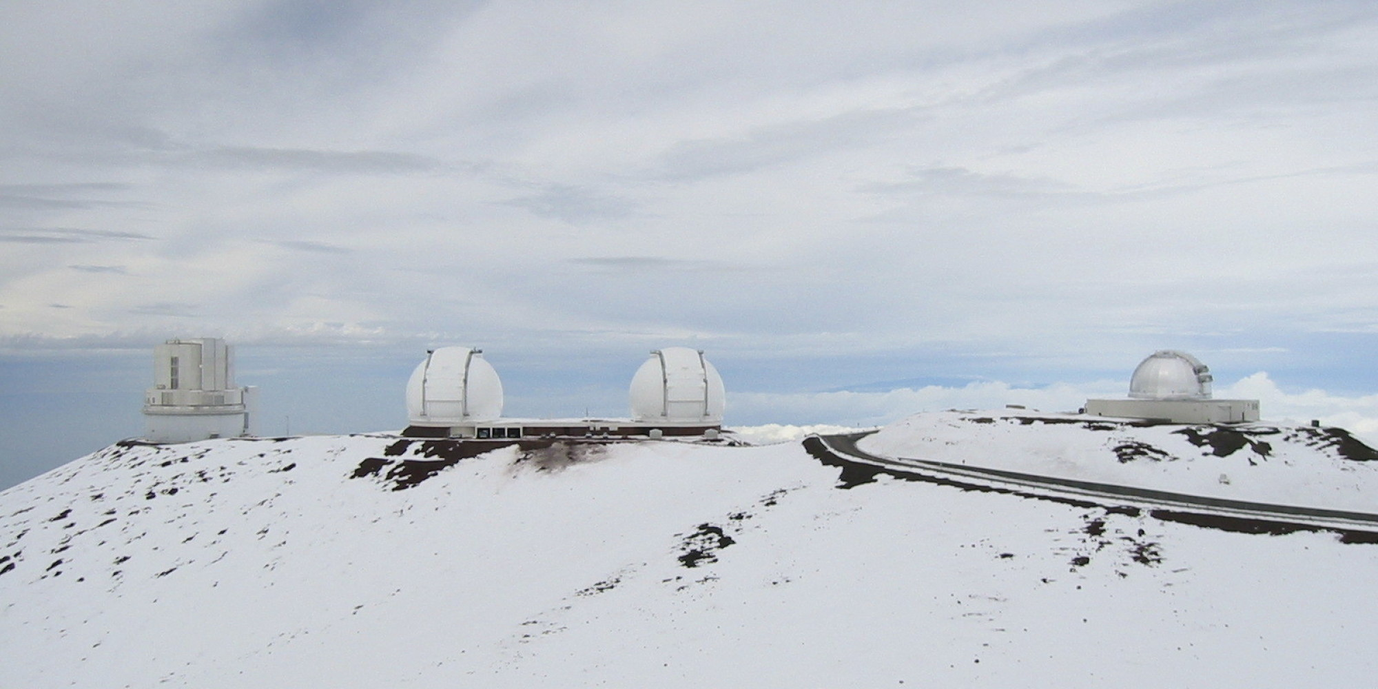 even hawaii u0026 39 s mauna kea is covered in snow  aka winter may