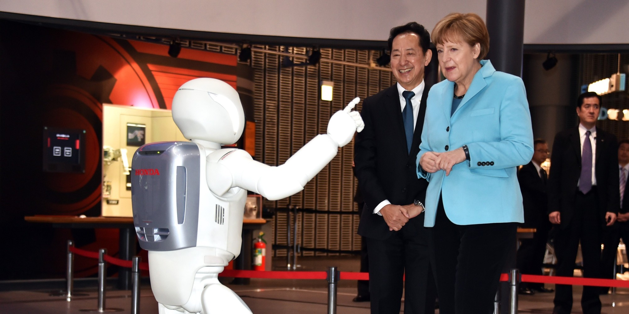 A Brief History Of World Leaders Greeting A Japanese Robot Huffpost