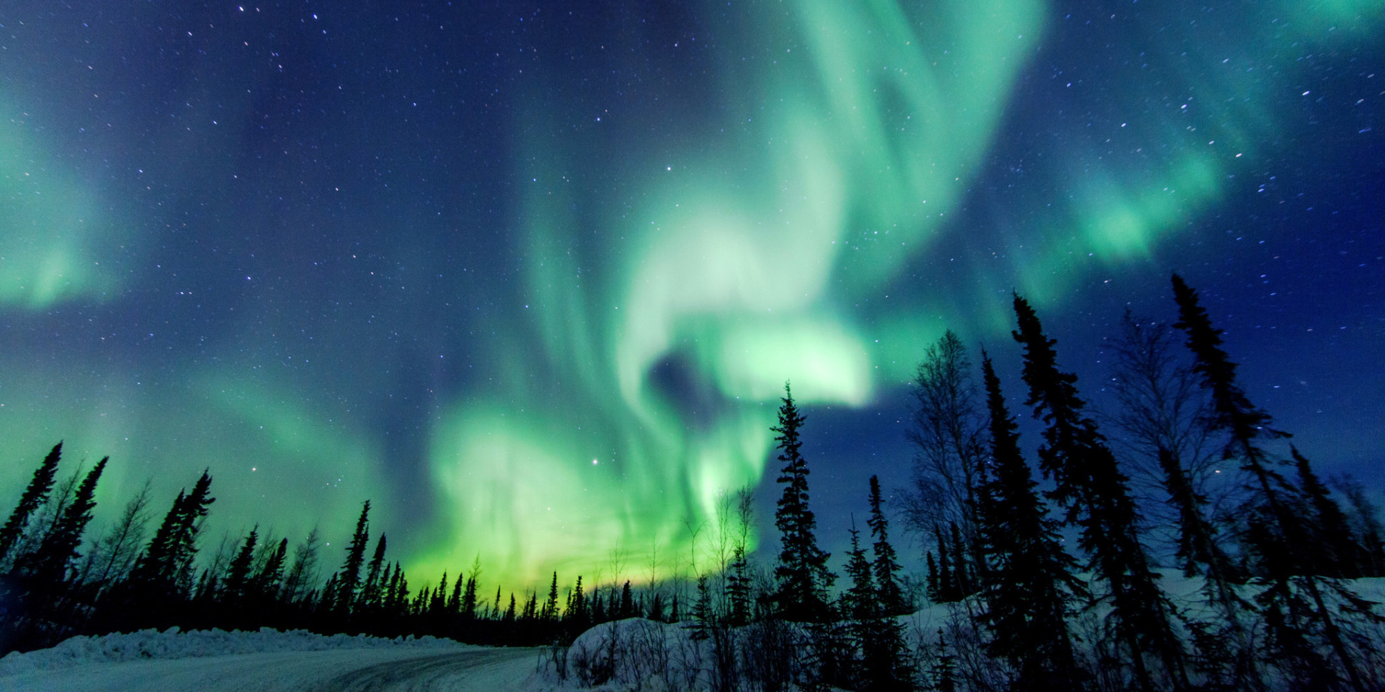 Why it 39 s so worth it to chase the northern lights huffpost for Sfondi desktop aurora boreale