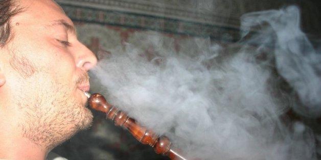 Une soirée chicha revient à fumer 20 à 30 cigarettes