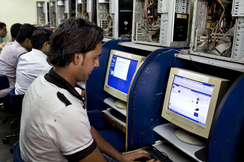 india internet facebook
