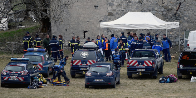SEYNE, FRANCE - MARCH 25:  Rescue workers and gendarmerie continue their search operation near the site of the Germanwings plane crash near the French Alps on March 25, 2015 in La Seyne les Alpes, France. A Germanwings Airbus A320 airliner with 150 people on board crashed yesterday in the French Alps.  (Photo by Jeff J Mitchell/Getty Images)