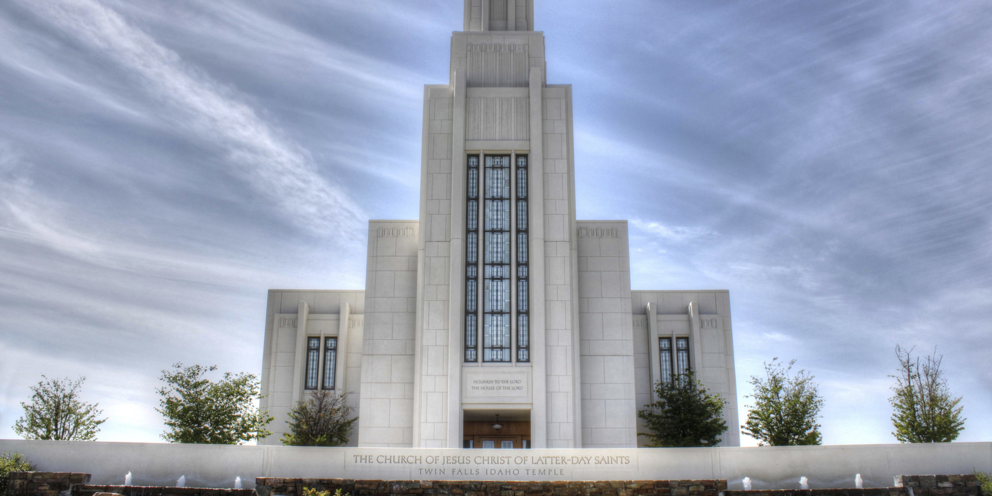 Faithful History: Essays on Writing Mormon History