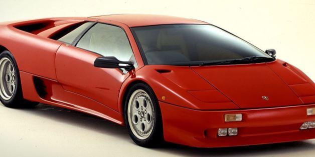 Le Lamborghini Diablo, lancée en 1990.