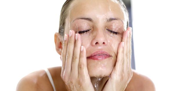 Mit Öl lässt sich ihr Gesicht besonders schonend reinigen