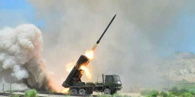 작년 7월 15일 노동신문이 보도한 북한 제171군부대의 포 실탄사격 훈련 모습