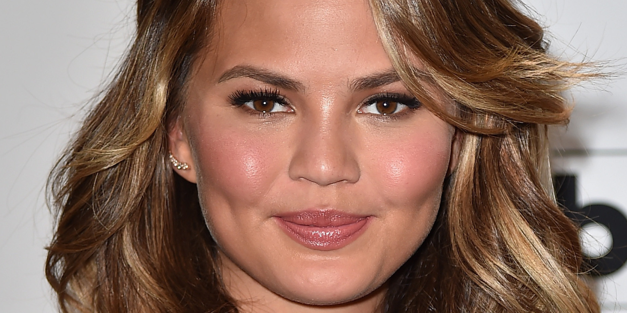 Chrissy Teigen S Medium Length Hair Amp More Beauty Looks We