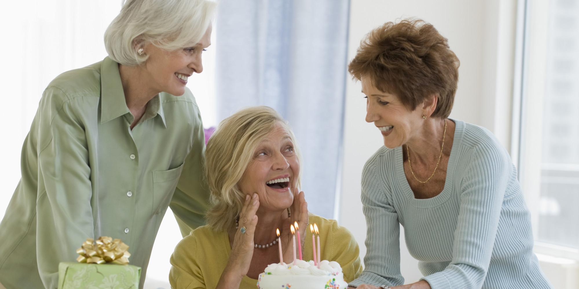 Идеи подарков женщине 60 лет
