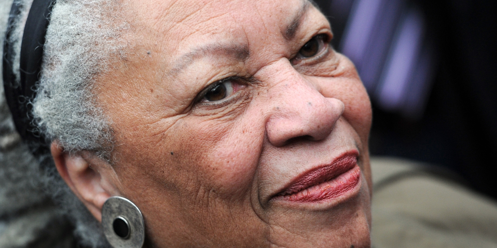 racial discrimination in toni morrison s A prime example of the amalgamation of the cultural heritage typical of the 1980s and a study into the nature of the african american racial identity itself is toni morrison's story recitatif is 1996) 103.