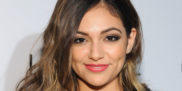 Bethany mota reveals her makeup bag must haves and frizzy hair fix bethany mota reveals her makeup bag must haves and frizzy hair fix huffpost m4hsunfo