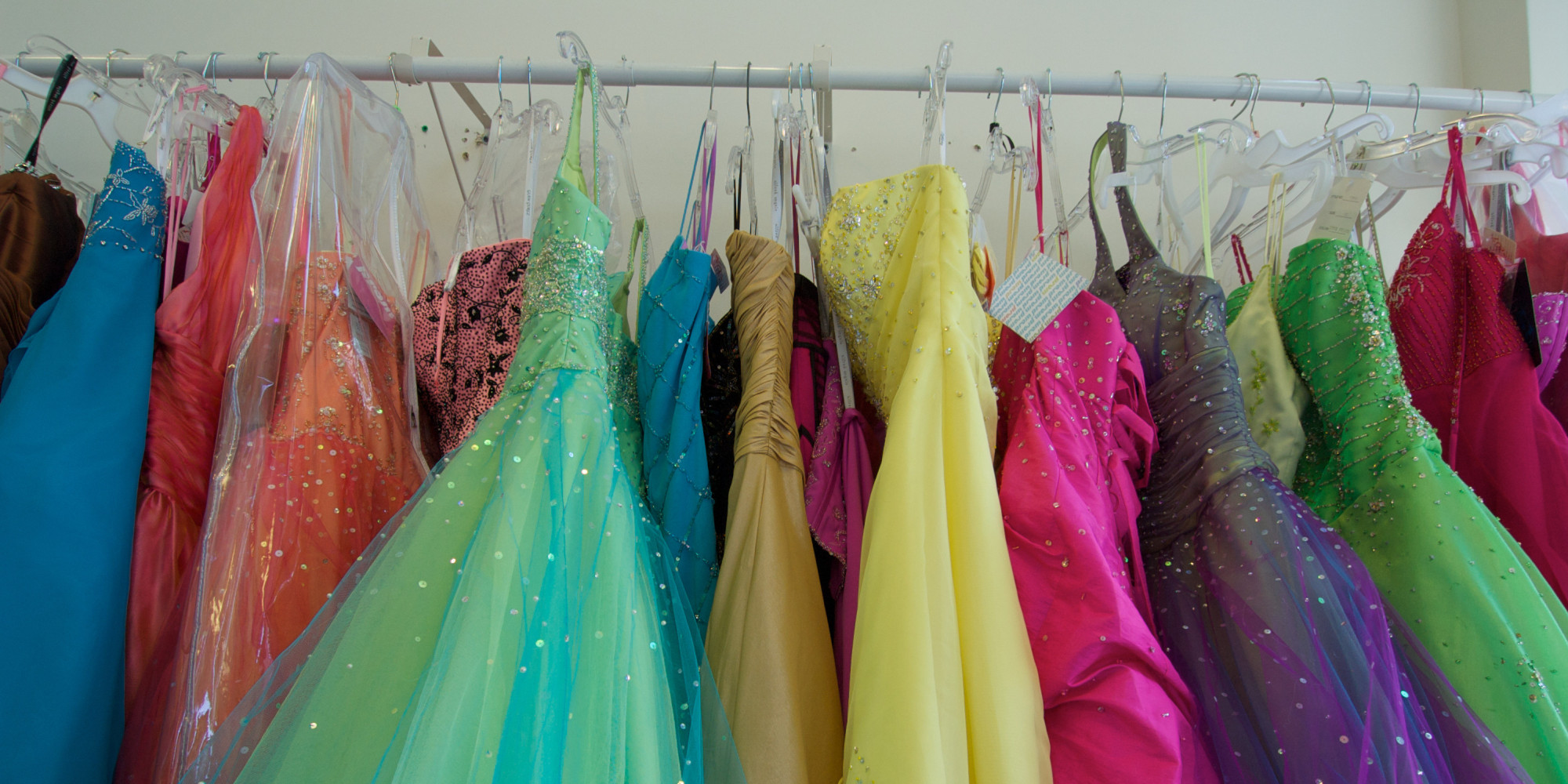 What To Do If Your Daughter Doesn\'t Look Her Best In Her Prom Dress ...