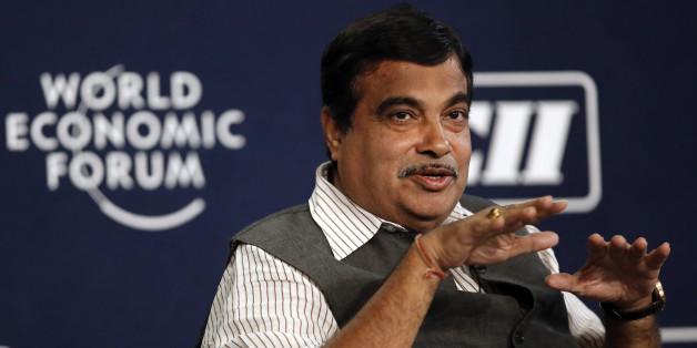 Le ministre indien Nitin Gadkari a une technique bien à lui pour faire pousser ses plantes: il les arrose d'urine