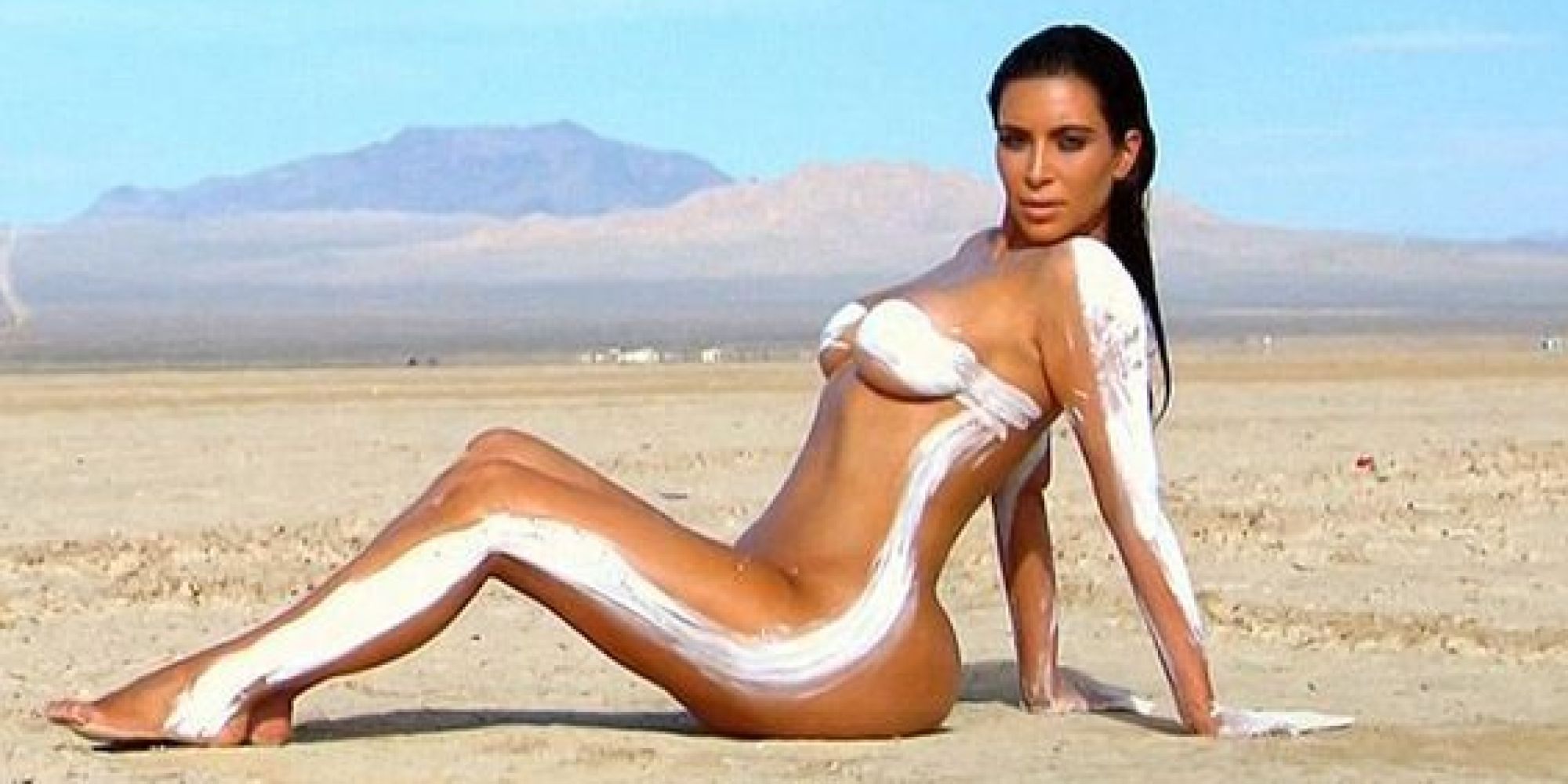 Kim kardashian naked again reality star goes nude in for Old keeping up with the kardashians episodes