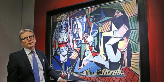 La toile Les Femmes d'Alger (version O) a été peinte en 1955 par le maître espagnol Pablo Picasso. Les enchères ont été menées par Jussi Pylkkanen, président international de Christie's.