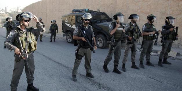 Des forces de sécurité israéliennes dans un quartier de Jérusalem-est, le 6 mai 2015