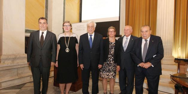 Ο Πρόεδρος της ΤΕΜΕΣ Α.Ε., κ. Αχιλλέας Β. Κωνσταντακόπουλος, η Πρύτανης του Πανεπιστημίου της Στοκχόλμης, Καθηγήτρια Astrid Söderbergh Widding, η Α.Ε. ο Πρόεδρος της Δημοκρατίας, κύριος Προκόπιος Παυλόπουλος, η Διευθύντρια του ΝΕΟ, Καθηγήτρια Karin Holmgren, ο Διευθυντής του Εργαστηρίου Ατμοσφ