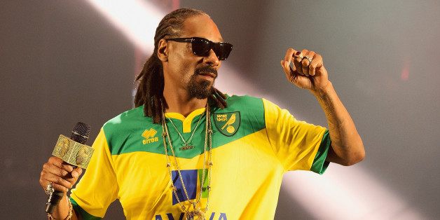 NORWICH, ENGLAND - MAY 23:  Snoop Dogg performs on stage at BBC Radio 1's Big Weekend Norwich 2015 - Day 1 at Earlham Park on May 23, 2015 in Norwich, England.  (Photo by Dave J Hogan/Getty Images)