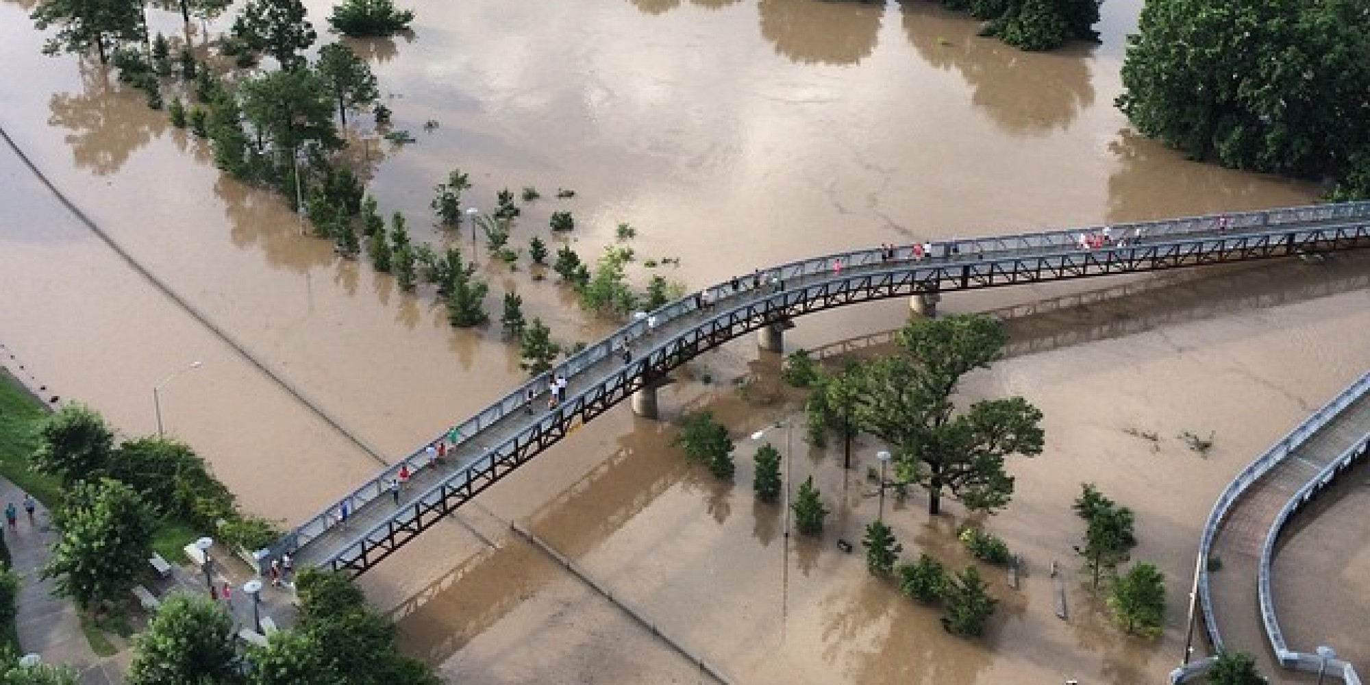 Houston Residents Capture Incredible Images Of Flooding In ...