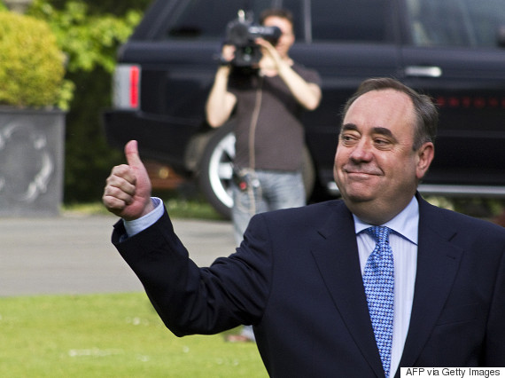 alex salmond thumbs up