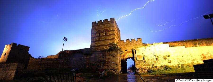 walls istanbul