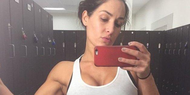 Studie beweist: Leute, die regelmäßig Gym-Selfies posten, haben ein psychisches Problem