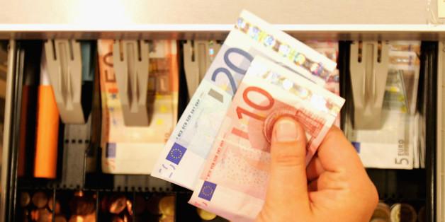 Von wegen Drogenhandel und Korruption: Warum das Bargeld wirklich abgeschafft werden soll