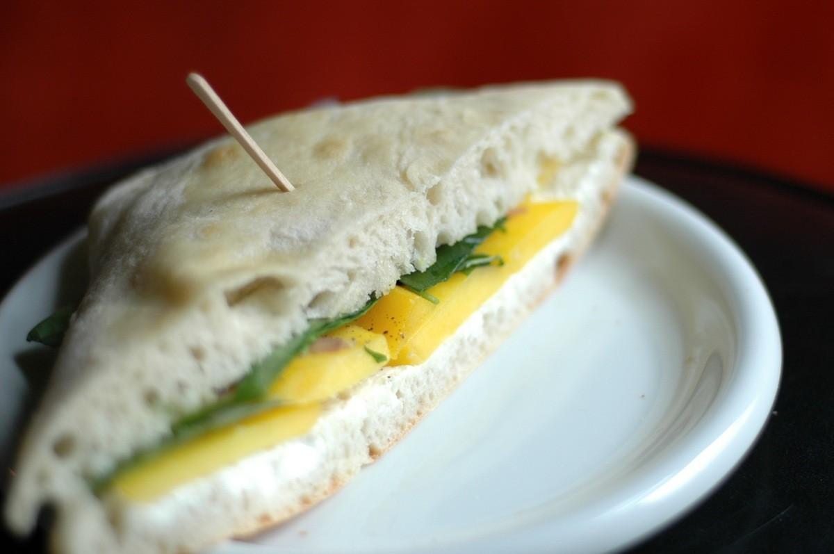 mango sandwich