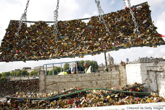 paris bridge locks