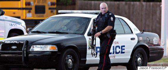 edmonton police officer shot