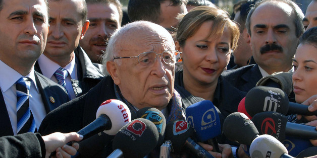 Former Turkish President Suleyman Demirel speaks to the media in front of the GATA military hospital where former prime minister Bulent Ecevit died, in Ankara, Nov. 6 2006. Ecevit, a journalist and poet-turned a political force in Turkey for almost half a century, who ordered the invasion of Cyprus and later pushed his country toward the West, has died at age 81 after nearly six months in a coma late Sunday, Nov. 5, 2006. Demirel and Ecevit have been the two main actors of the Turkey's politics for about 40 years. (AP Photo/Burhan Ozbilici)