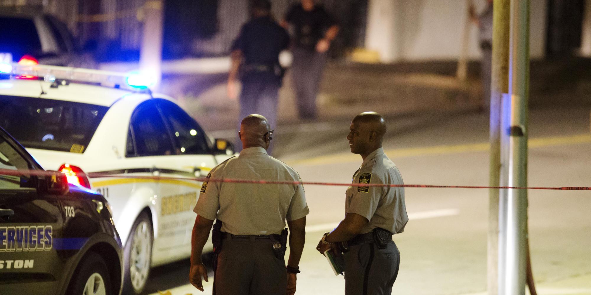 Charleston Church Shooting White Gunman Kills 9 At