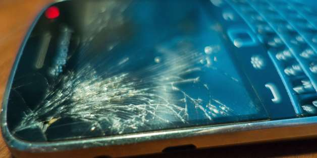 Many people with cracked smartphone screens continue to use their phones without fixing them. Don't be one of them.