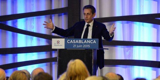 """Sarkozy au Maroc: """"Depuis 1999, il y a un roi qui tient la barre"""""""