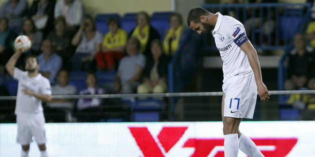 Zurich's  Yassine Chikhaoui  reacts after failing to score against Villarreal during the Europa League, group A soccer match between Villarreal and Zurich, at the Madrigal stadium in Villarreal, Spain, Thursday, Oct. 23, 2014. (AP Photo/Alberto Saiz)