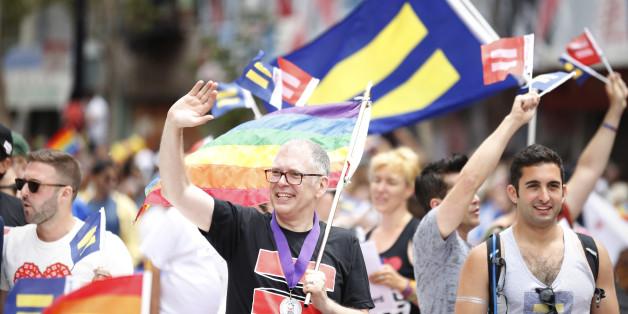Canada gay marriage reverse