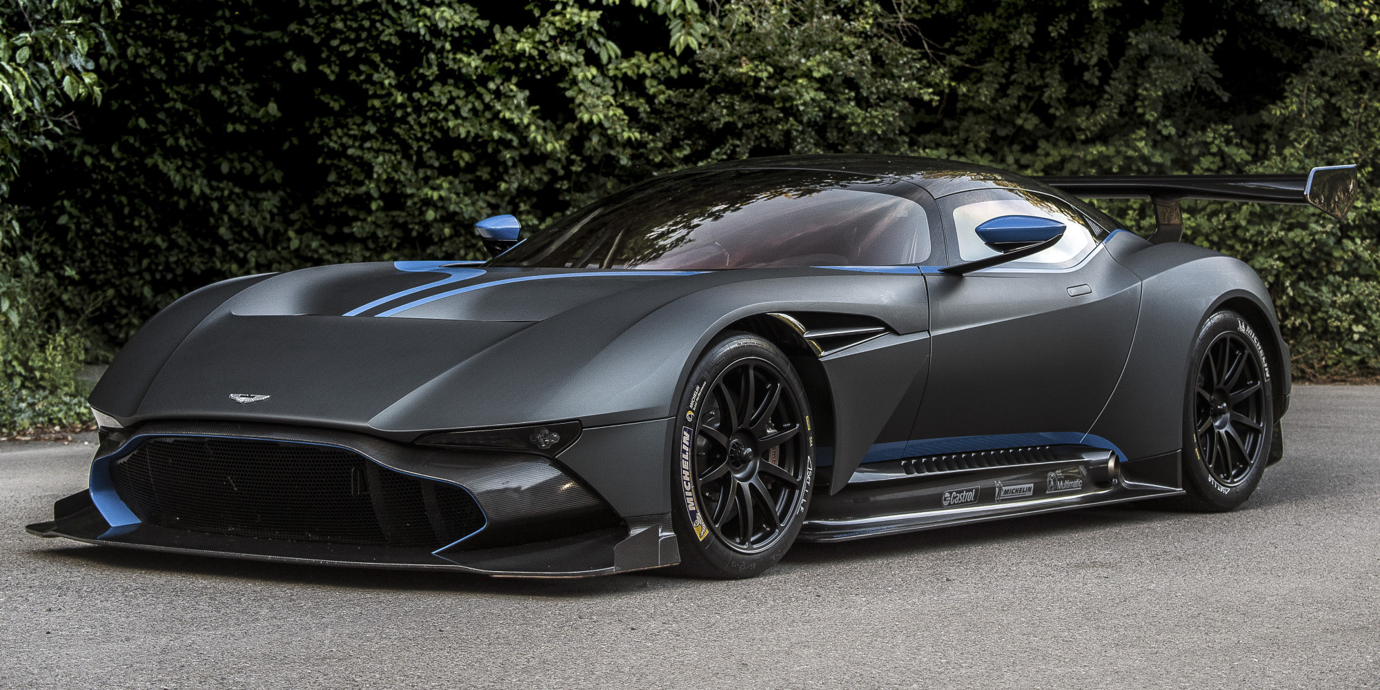 aston martin's $2.3 million vulcan supercar is a carbon fiber