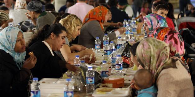 NRW-Landtag tischt Muslimen Fleisch auf, das sie gar nicht essen dürfen