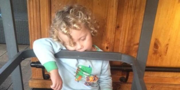 La preuve que les enfants peuvent s'endormir n'importe où (PHOTOS)