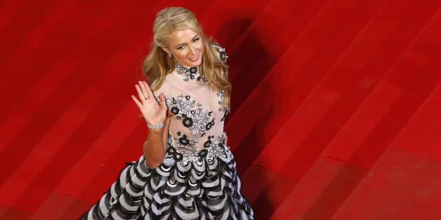 Paris Hilton aurait touché près d'un million de dollar pour participer à ce faux crash aérien