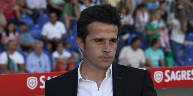 ESTORIL, PORTUGAL - MAY 10:  Sporting's coach Marco Silva during the Prmeira Liga match between Estoril and Sporting CP at Estadio Antonio Coimbra da Mota on May 10, 2015 in Estoril, Portugal.  (Photo by Carlos Rodrigues/Getty Images)