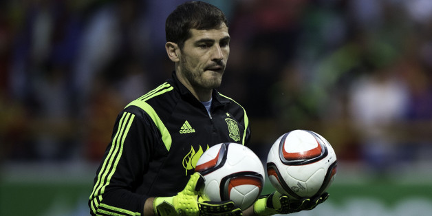 LEON, SPAIN - JUNE 11:  Iker Casillas of Spain holds a pair of balls during his warming up prior to start the international friendly match between Spain and Costa Rica at Reino de Leon Stadium on June 11, 2015 in Leon, Spain.  (Photo by Gonzalo Arroyo Moreno/Getty Images)