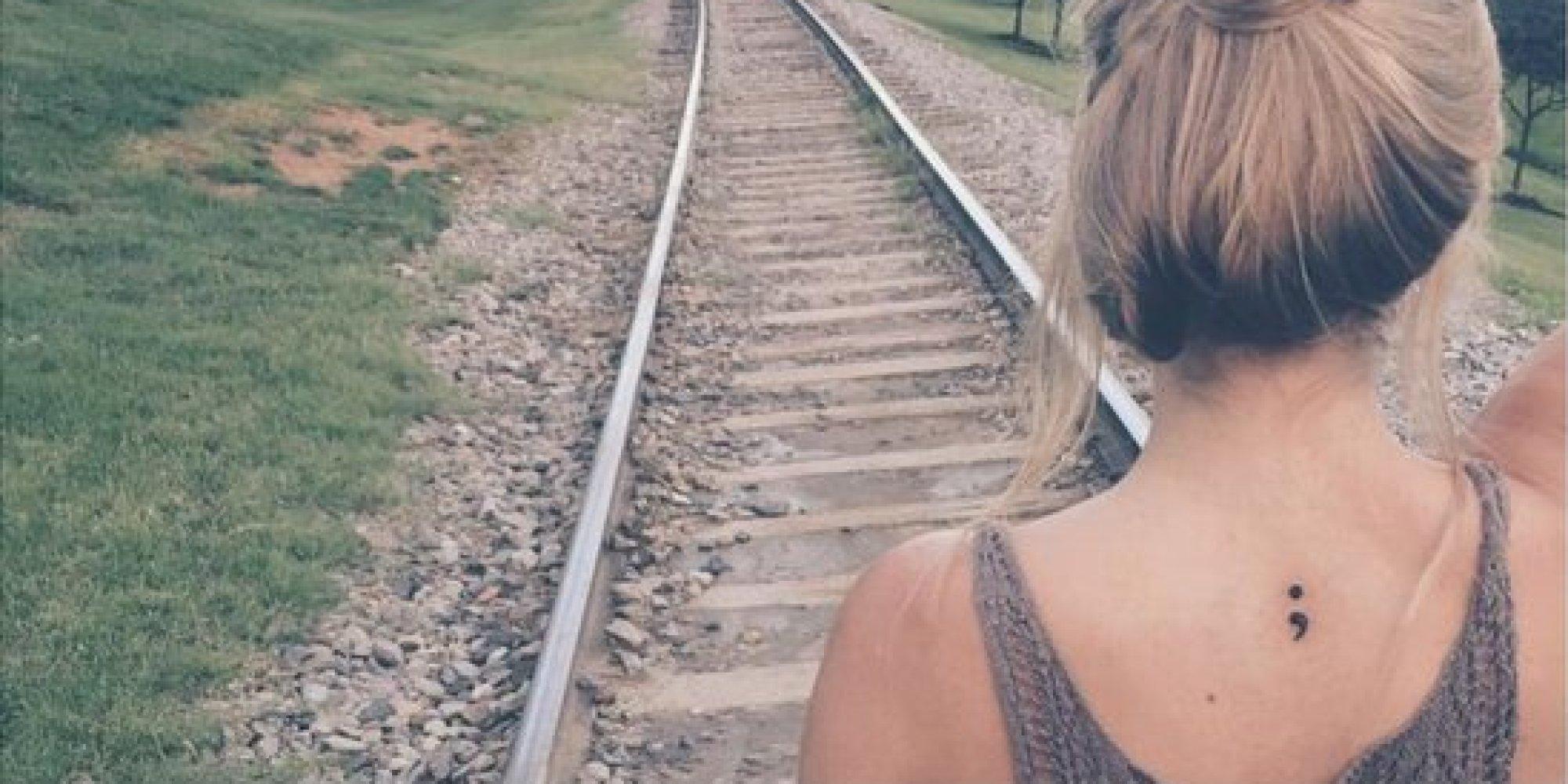 El Tatuaje De Punto Y Coma Es Símbolo De Fortaleza Entre Individuos