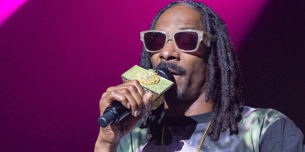 WESTBURY, NY - JULY 08:  Snoop Dogg performs in concert at The Space at Westbury on July 8, 2014 in Westbury, New York.  (Photo by Mike Pont/Getty Images)